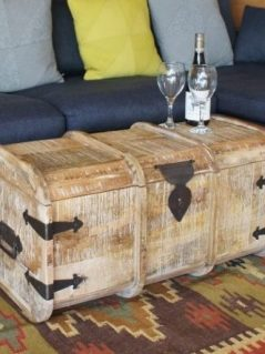 light mango wood trunk / coffee table / blanket box