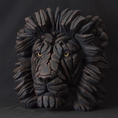 Handpainted lion Azland scultpure from UK