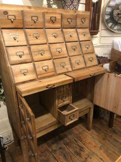 mutli drawer cabinet with 2 doors